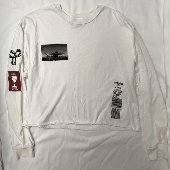 Long sleeve white Aritzia top, size M